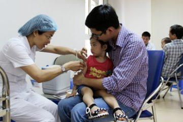 Bộ Y tế tiến hành tổ chức 3 đợt tiêm chủng miễn phí vacxin phòng sởi-rubella