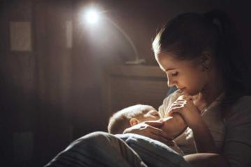 giảm bú đêm cho trẻ