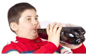 Trẻ uống nước ngọt và nguy cơ gan nhiễm mỡ