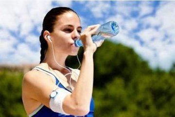 Sau tập thể dục có nên uống nước lạnh