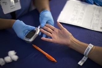 xét nghiệm máu phát hiện 13 loại ung thư