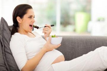 Thực hư quan niệm bà bầu ăn trứng vịt lộn khi mang thai, con sinh ra sẽ chân dài?