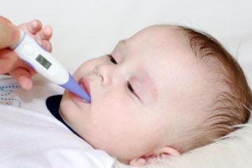 Những việc nên và không nên làm khi trẻ sốt co giật