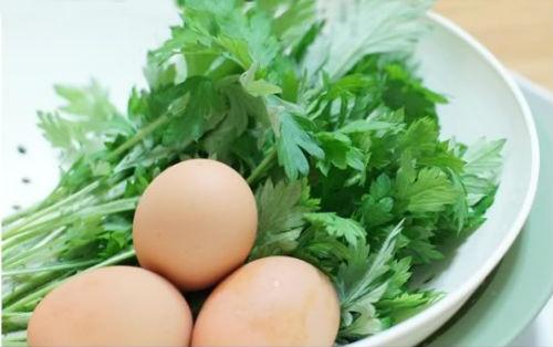 trứng gà ngải cứu