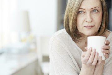 Nguy cơ và dấu hiệu cảnh báo bệnh ung thư buồng trứng