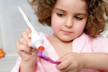 Cách chăm sóc răng miệng cho trẻ theo từng độ tuổi