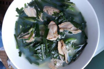 Canh trai nấu hẹ – món ăn giúp hỗ trợ điều trị viêm cổ tử cung