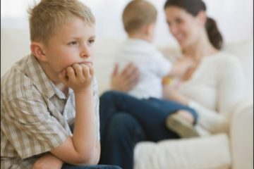 Điều gì sẽ xảy ra với trẻ em khi bố mẹ cư xử thiên vị ?