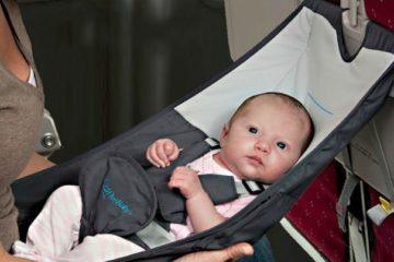 Đi máy bay với trẻ sơ sinh ?