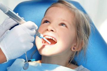 Khi nào thì bé bị mất răng sữa ?
