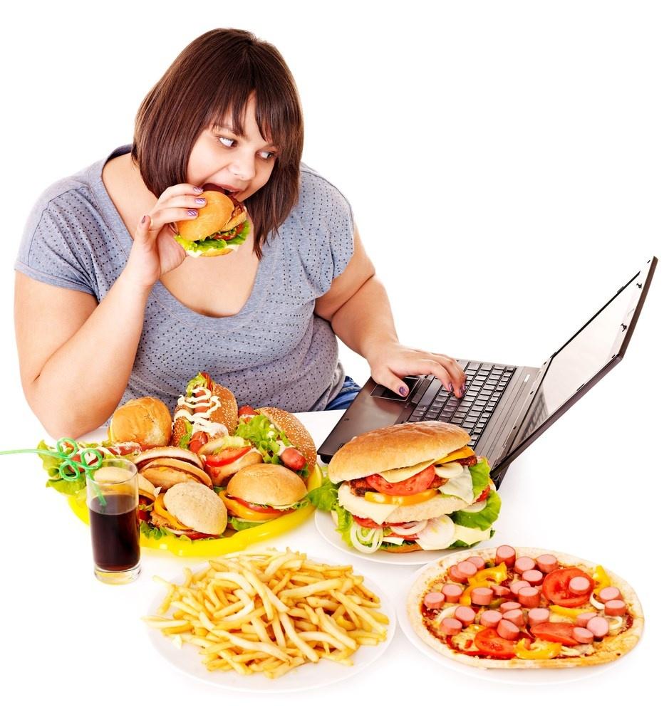Béo phì, ăn nhiều tinh bột, chất béo, đồ uống có ga là nguyên nhân gây chỉ số Triglycerid trong máu cao.jpg