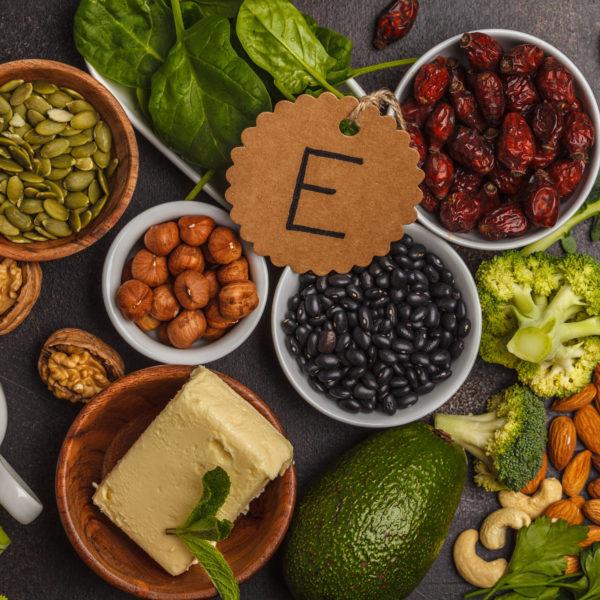 thuc-pham-giau-vitamin-E-giup-giam-mo-gan